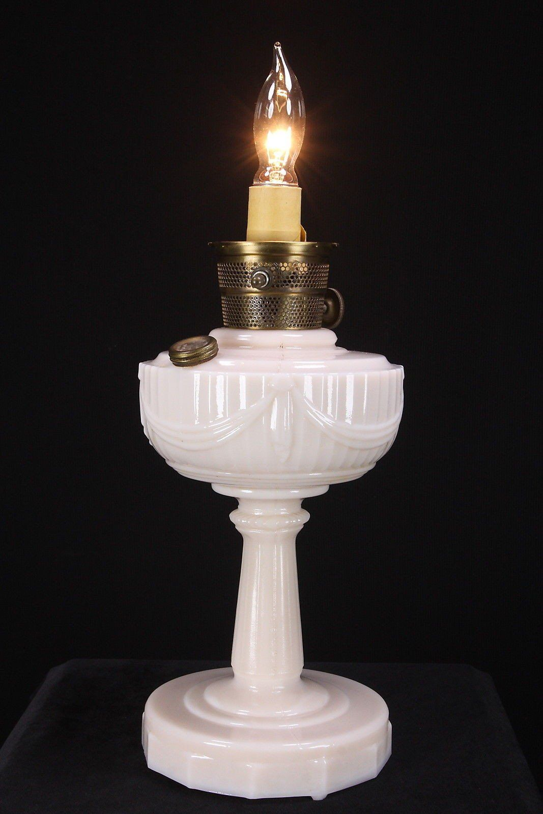 Aladdin pink lincoln drape alacite oil kerosene lamp electrified