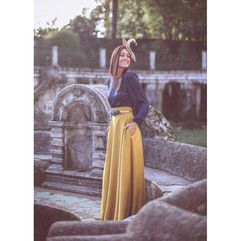 e3b2bcb291 falda larga mostaza en crepe raso para boda y eventos confeccionada en  España