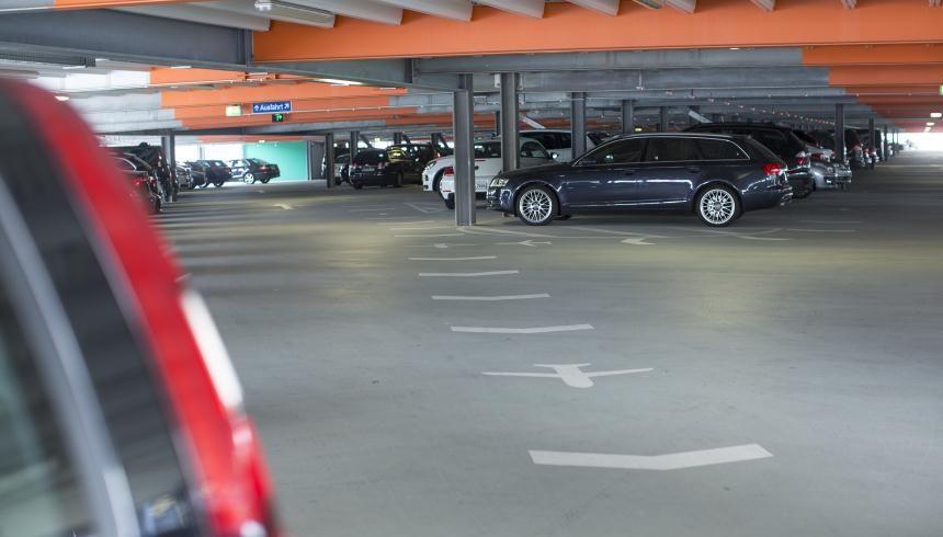 Prebook a car parking space in or around San Francisco