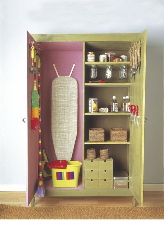 Ideas fciles y sencillas para la casa  Enchanting Places  Spaces  Pinterest  Armario multiusos Armarios y Armario despensero