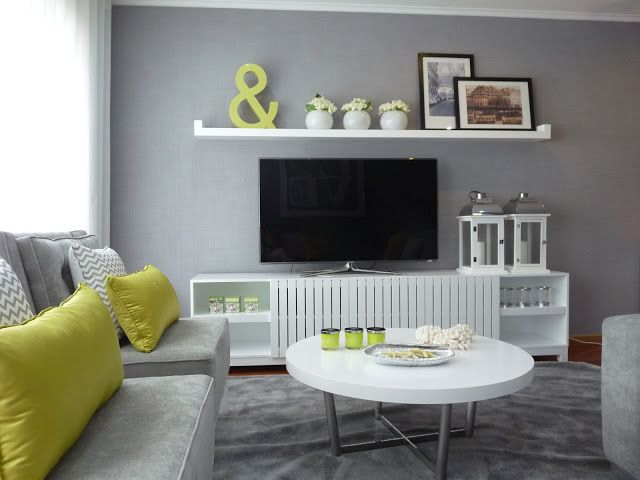 Blanco Interiores Great Tv Area By With White Sideboard Green Accents