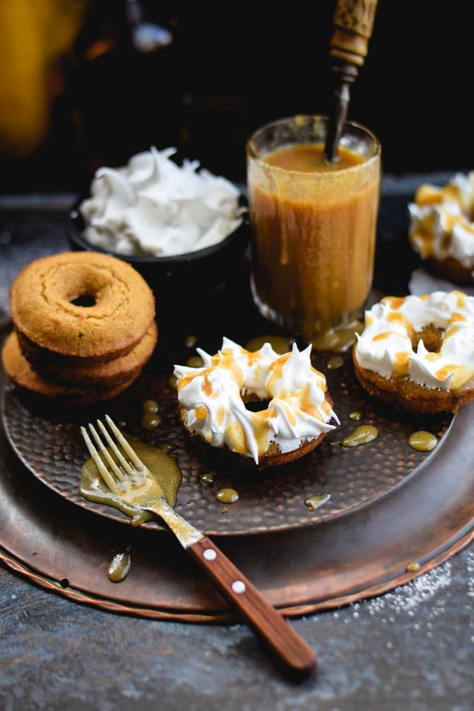Meringue Frosted Butterbeer Baked Doughnuts | Gringalicious