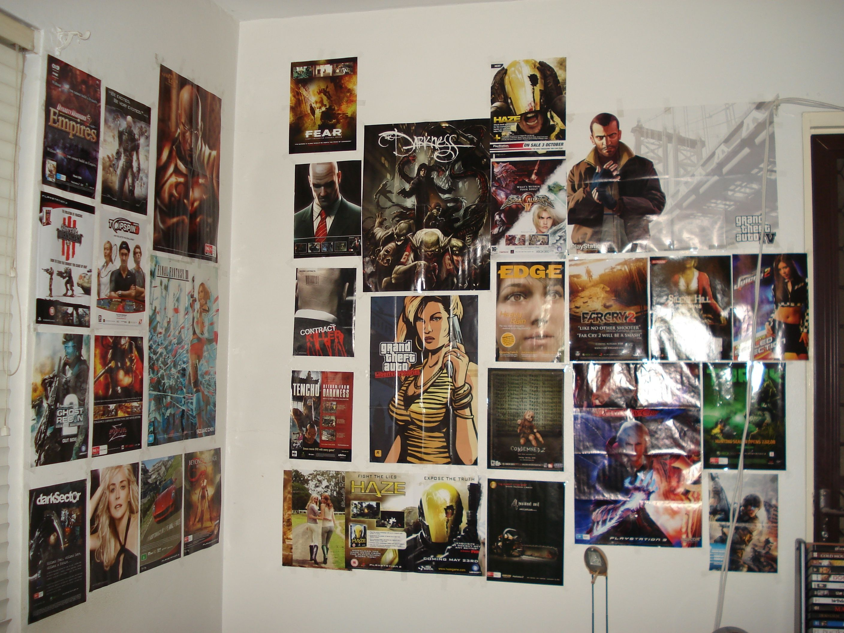 This bedroom wall with game posters from thm hosted ebabee likes