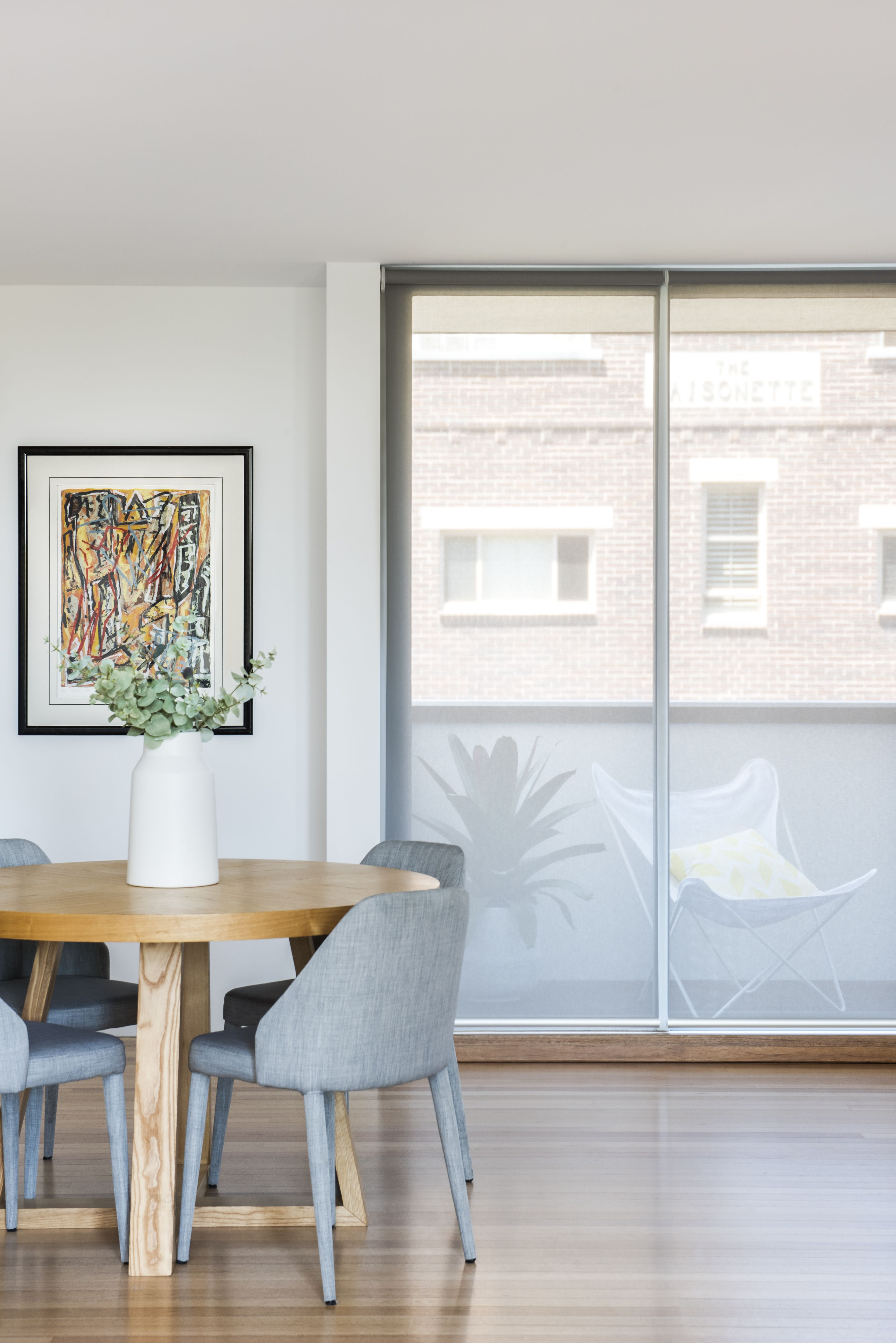 Roller Blind In Neotec Sunscreen Soot Fabric