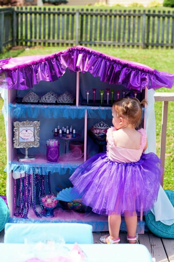 Dress up station for a little girl princess party. Too cute ...