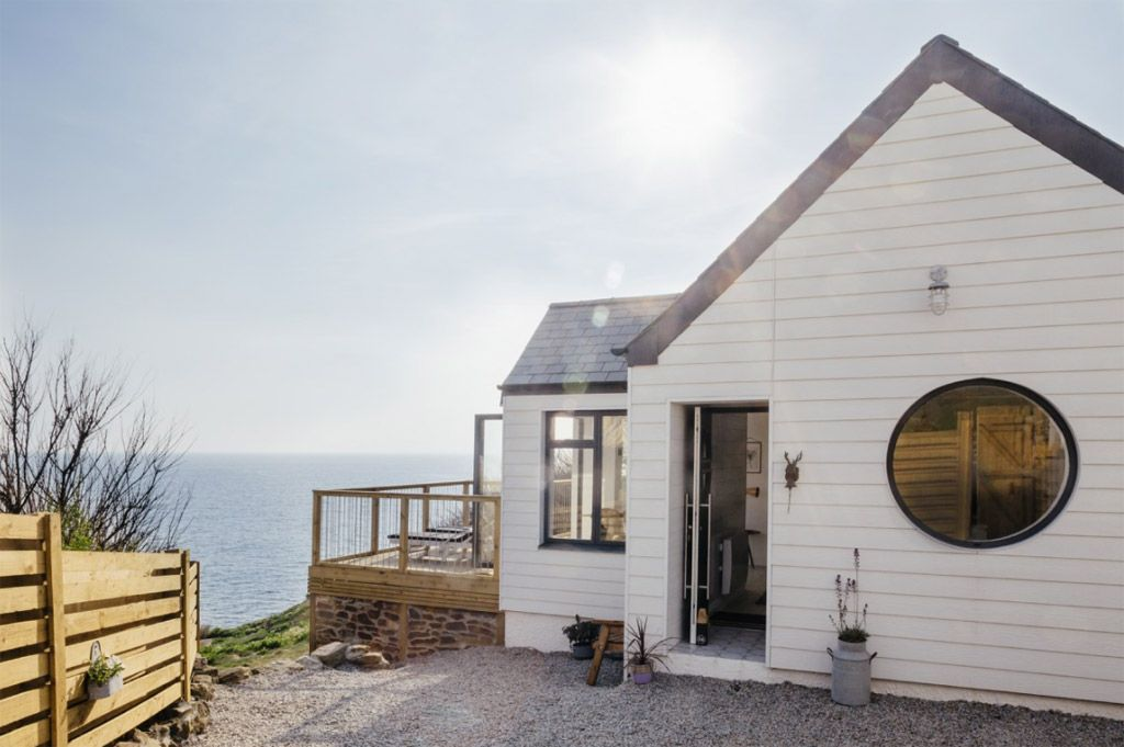 A Clifftop Holiday Home In Porthleven Cornwall Uk With Images