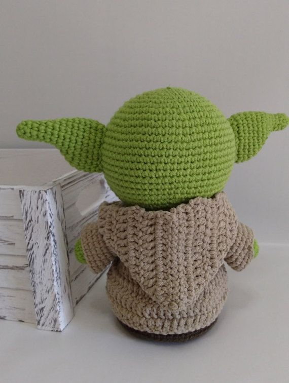 Baby Yoda Amigurumi inspired by the new Star wars series The ... | 756x570
