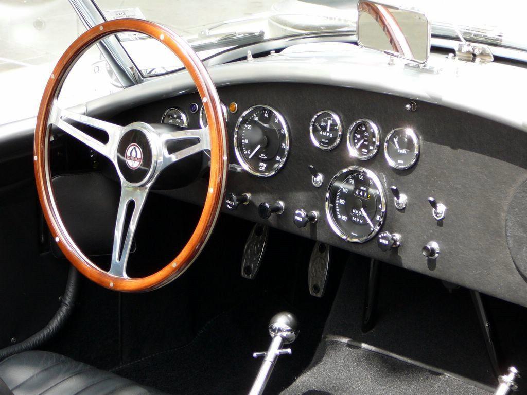 interior shelby cobra 427 1966