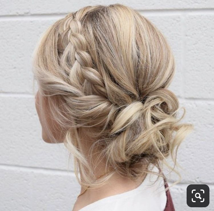 20 Medium Length Wedding Hairstyles For 2021 Brides Emmalovesweddings Short Wedding Hair Medium Length Hair Styles Hair Styles