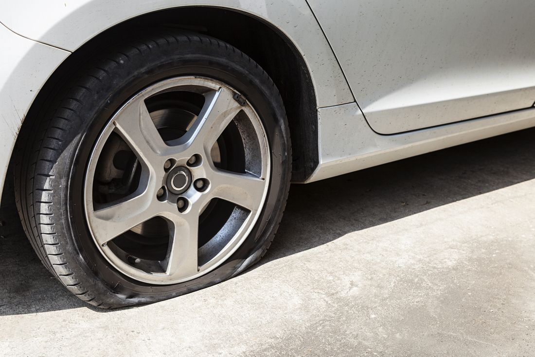 As Soon As You Realize You Have A Flat Tire Do Not Abruptly Brake