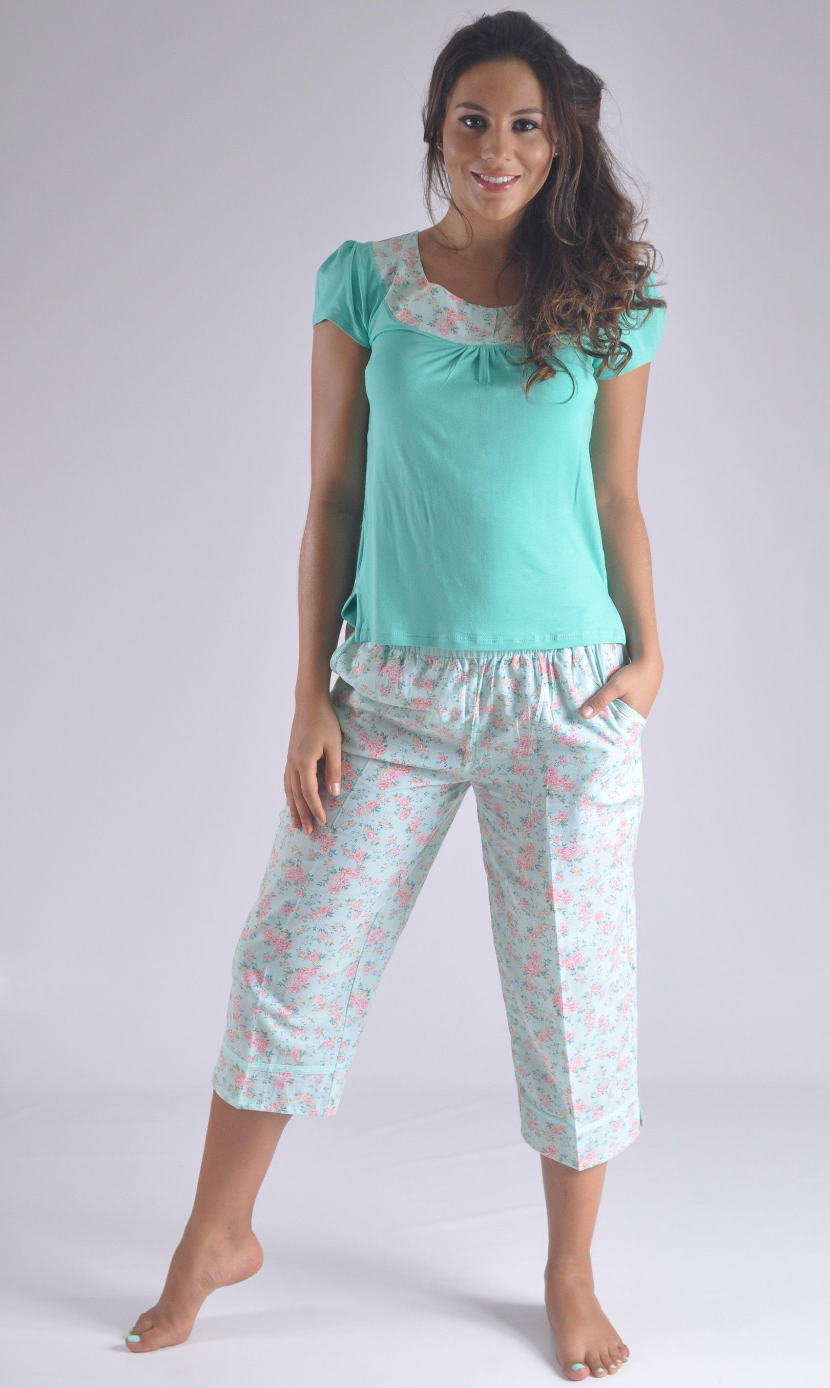 9bfab7b19 Hermosa pijama juvenil especial para la mujer joven de espiritu ...
