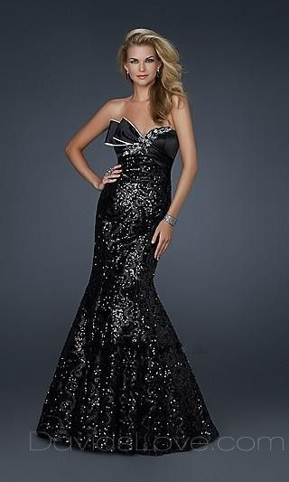 Trumpet Strapless Long Lace Prom Dress