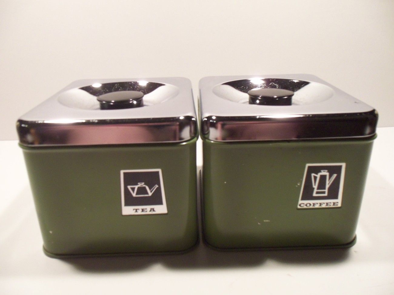 Vintage retro avocado green coffee and tea canister set antiques collectibles pinterest - Modern tea and coffee canisters ...