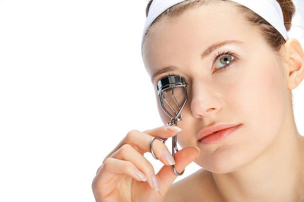 How To Use An Eyelash Curler Properly With Mascara?   Make ...