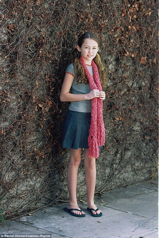 Picture Exclusive Childhood Modelling Shoot With Miley -2270