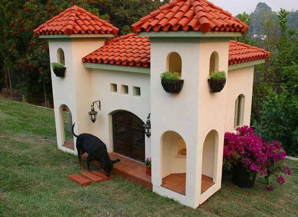 Coolest Doghouse Ever Cool Dog Houses Dog Mansion Luxury Dog
