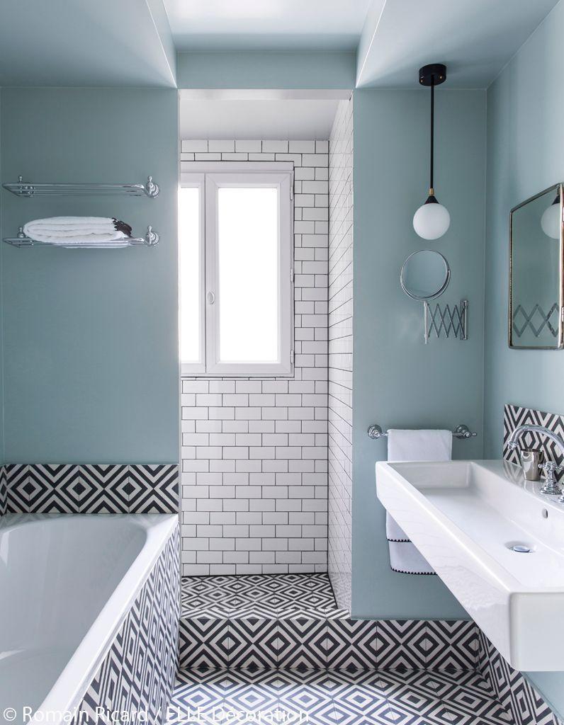 Salle De Bain De Couleur Bleu Pastel Blanc Et Noir Carrelage De