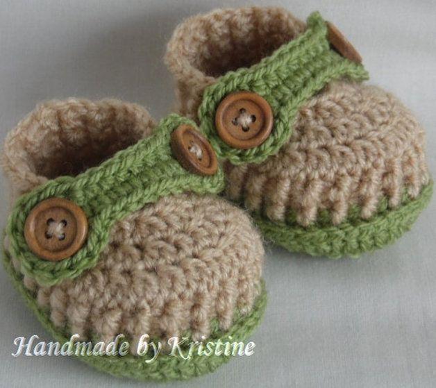 Gehäkelte stiefel für Neugeborene,0-3m oder3-6M von kristine's1986 shop auf DaWanda.com