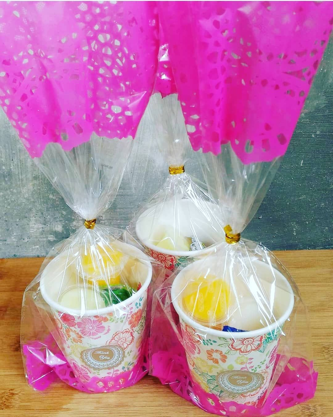 60th Birthday Gift Ideas For Mom India And Here Is Something Very Budgeted Give Away Can Be Altered According To Once S Preference Chaiglass Wrapped C Birthday Gifts Corporate Gifts Party Gifts