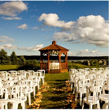 Wedding ceremony at the Geneva National Golf Club / Lake Geneva weddings
