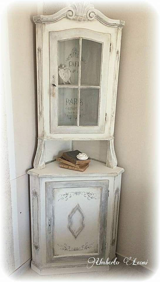 Angoliera shabby chic bianco latte finitura cera neutra e argento shabby cottage 2 english - Mobili stile shabby ...