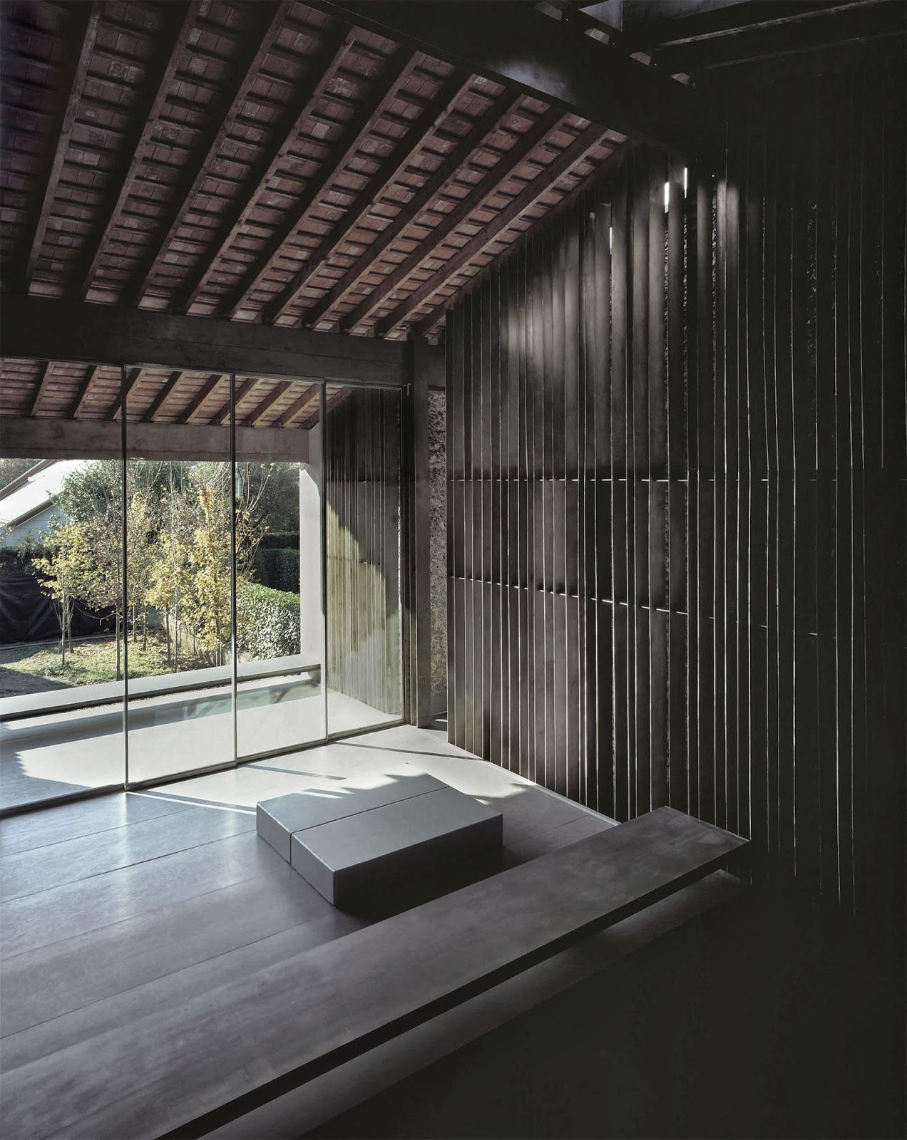 Rcr arquitectes casa entremuros olot architecture - Tens casa olot ...