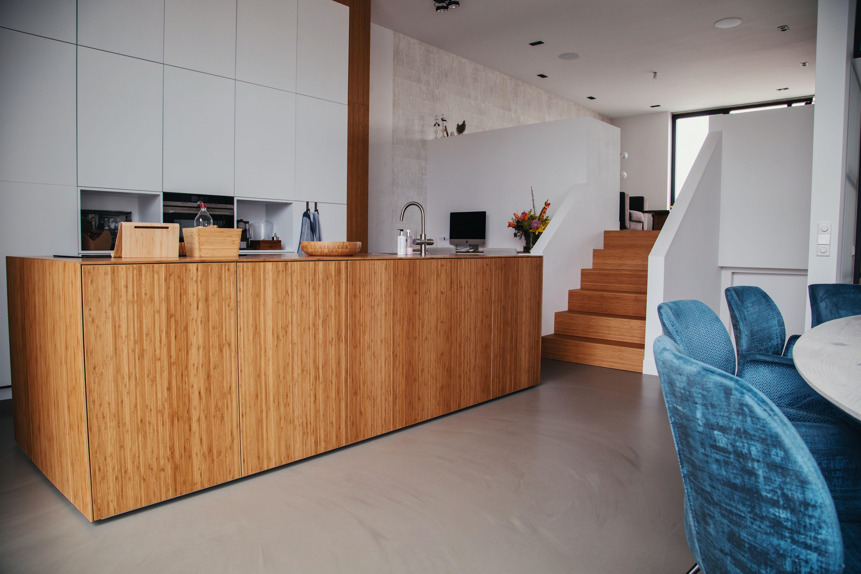 Gietvloer Keuken Houten : Witte keuken met houten vloer cool xnovinky gietvloer keuken