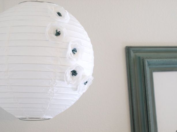 paper lantern with fabric flowers (+ a bunch of other creative ideas on how to use those flowers)