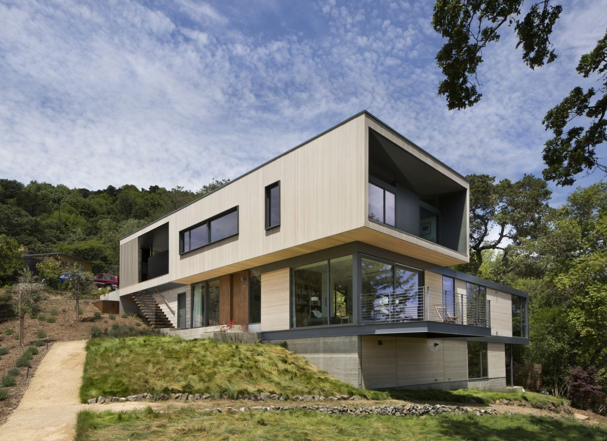 15 Hillside Homes That Know How To Embrace The Landscape Haus