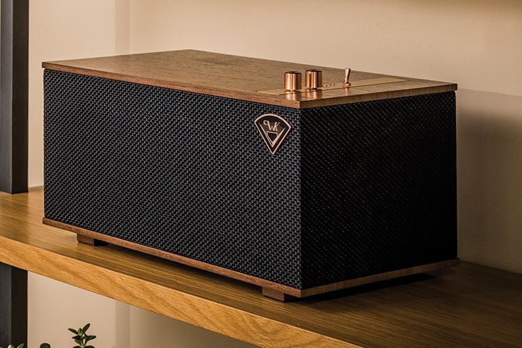 The Klipsch Three Wireless Stereo System   Home Audio That Looks As Good As  It Sounds