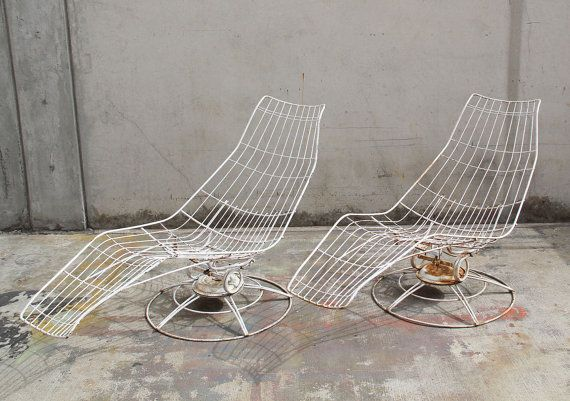 Strange Sold Pair Of Vintage Homecrest Banana Lounge By Beatyapartments Chair Design Images Beatyapartmentscom
