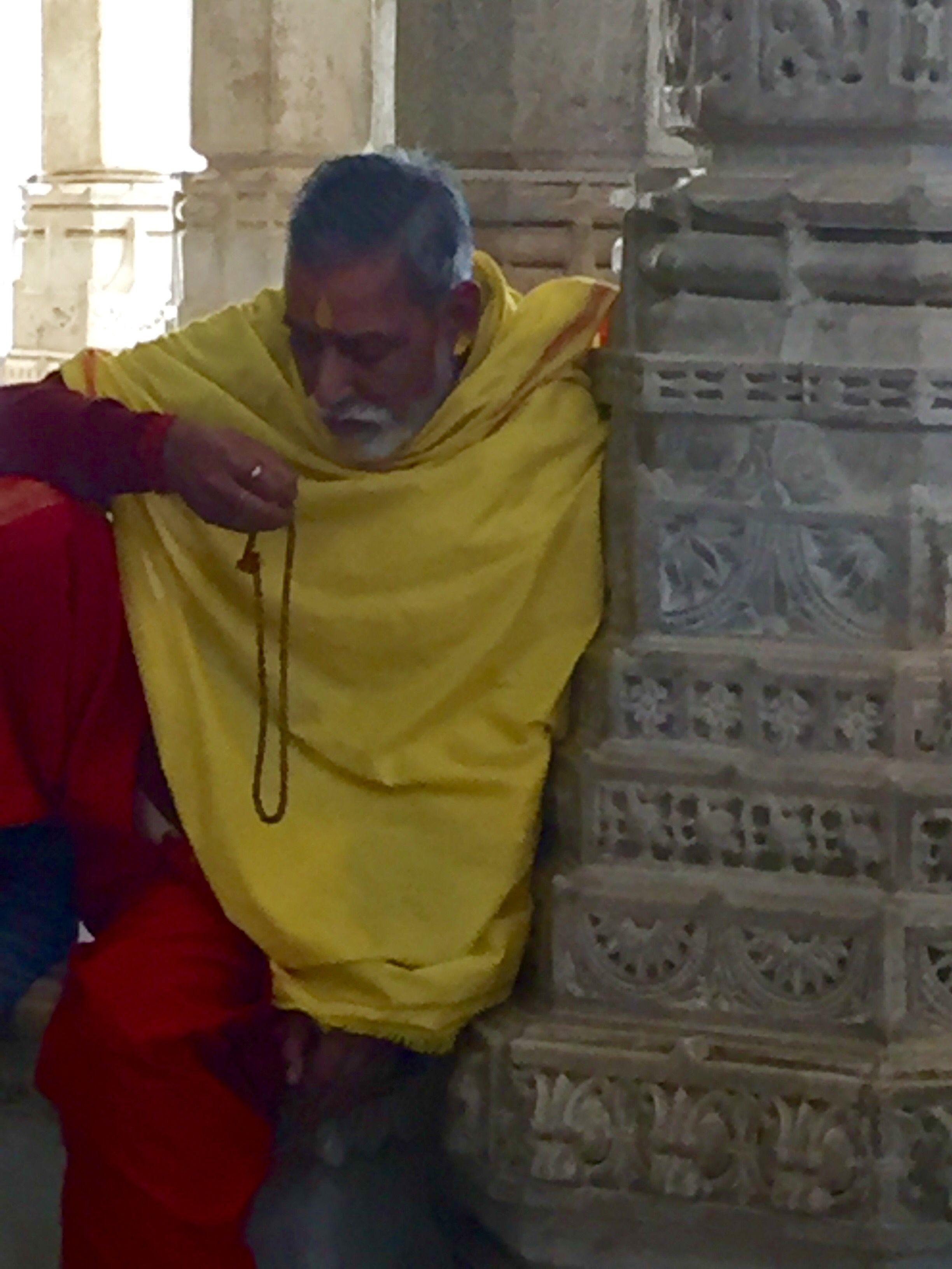 Praying 🙏🏻 #strollnaindia #ranakpur