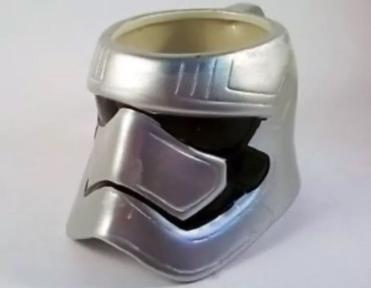 https://www.ebay.co.uk/i/252964509449 #stormtroopermug #silvermug #noveltymug #christmasmug #birthdaygifts #coffemugs 