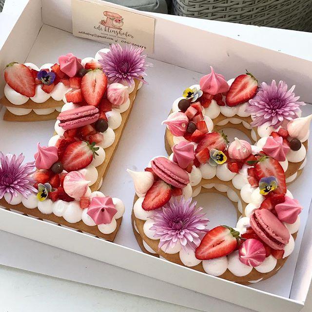 Happy Birthday Gargeran Biscuit Cream Vanilla Flower Strawberry Macarons Chocolate Meringue Birthdaycake