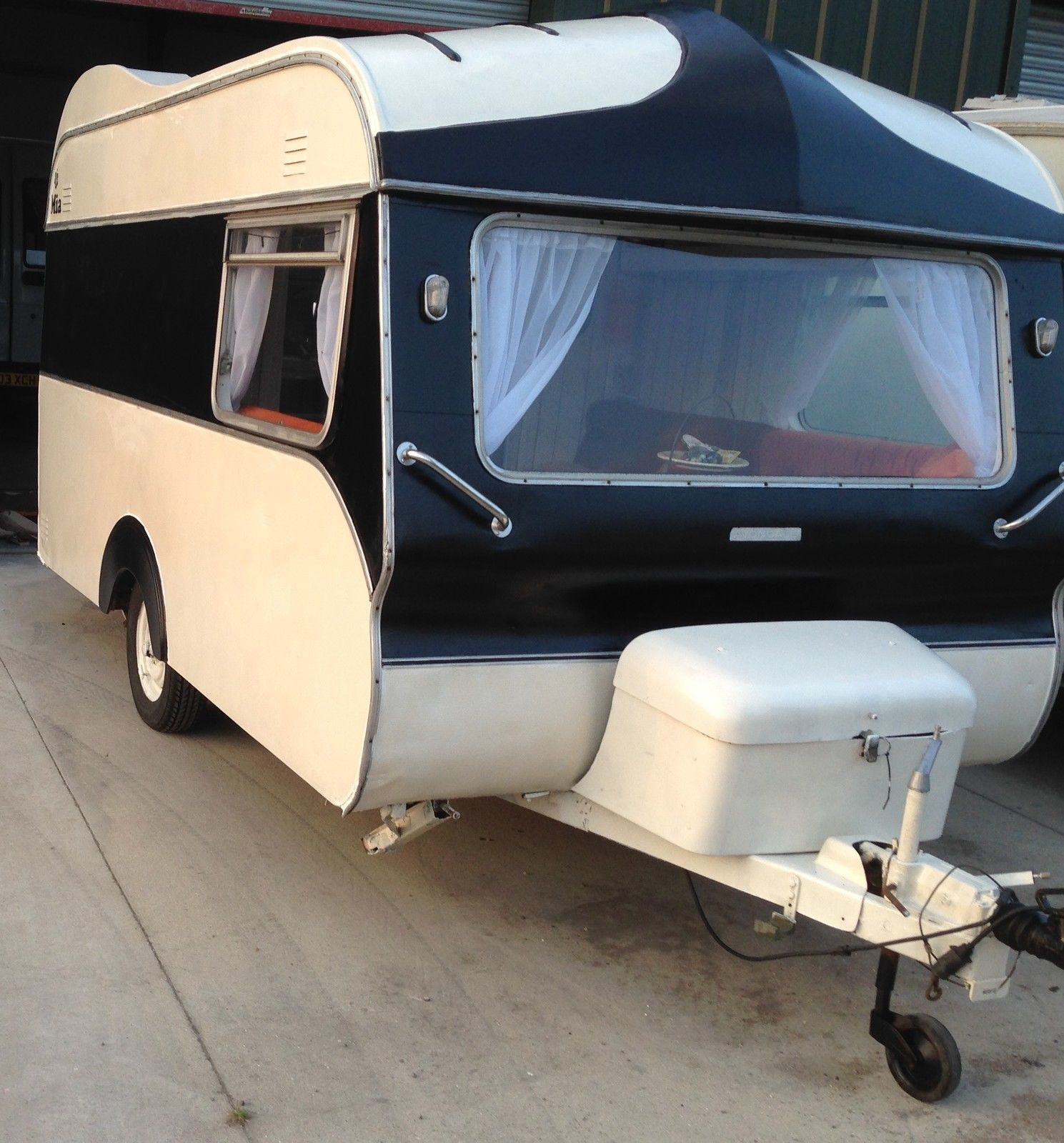 Classic Vintage Avondale Wren 1975 Retro Caravan 2 Berth Black Cream Orange Ebay Vintage Camper Retro Caravan Rv Exterior Paint