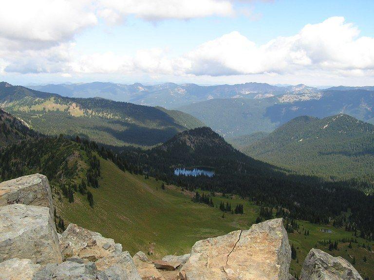 Clover Lake From Dege Peak Photo By Alpine Art In 2020 Mount Rainier National Park Park Trails Go Hiking