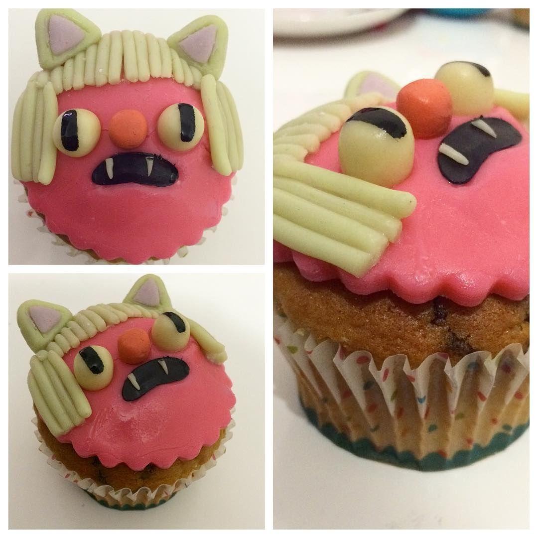 """""""#cupcakes #cupcakelife #bombingcupcakes  diseño por @tysapaulina ! Buenos dias!!!"""""""