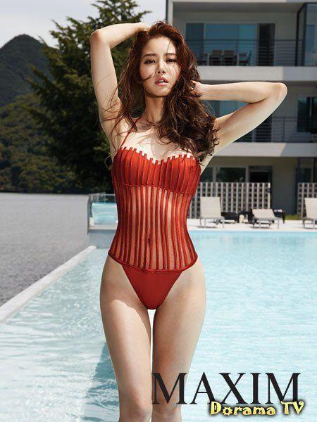 Swimsuit girl он