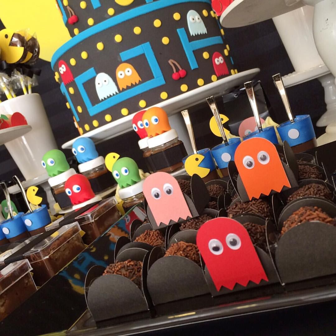 Pacman party pacman pinterest cumplea os fiestas y for Decoracion 80 90