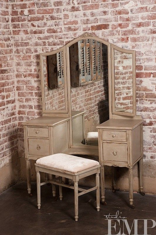 vintage furniture rental. how cool is that? - Vintage Furniture Rental. How Cool Is That? Save For Later