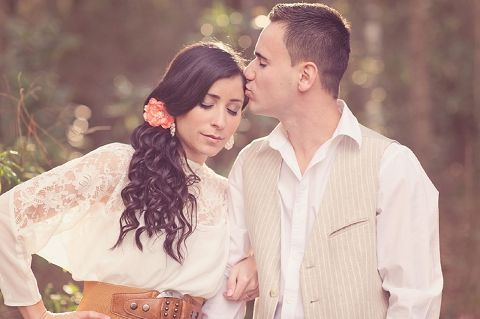 rustic coral engagement shoot  Photography - Julie Paisley