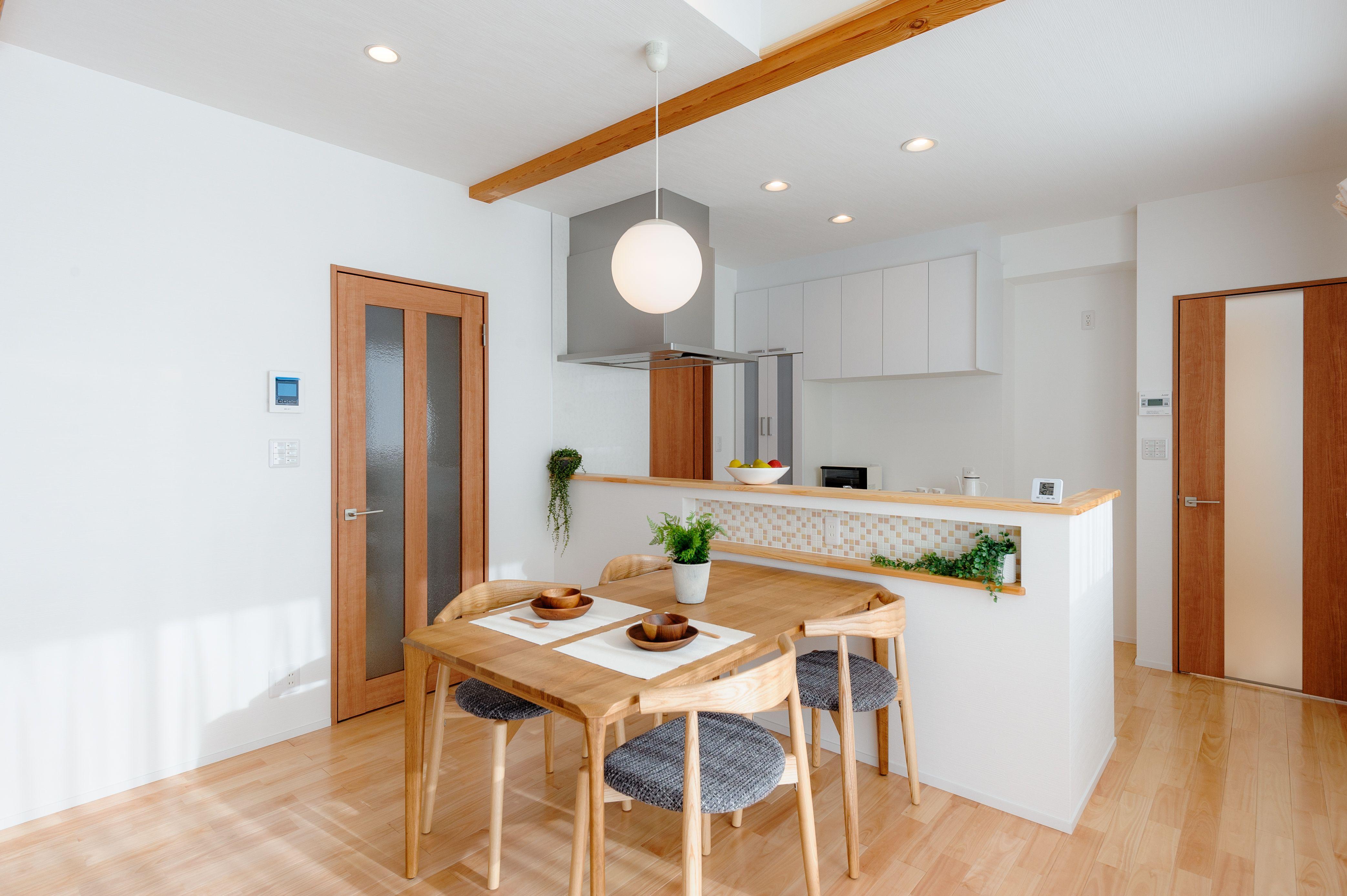 中野市注文住宅写真集 屋根裏部屋のある家 キッチン おしゃれ 注文