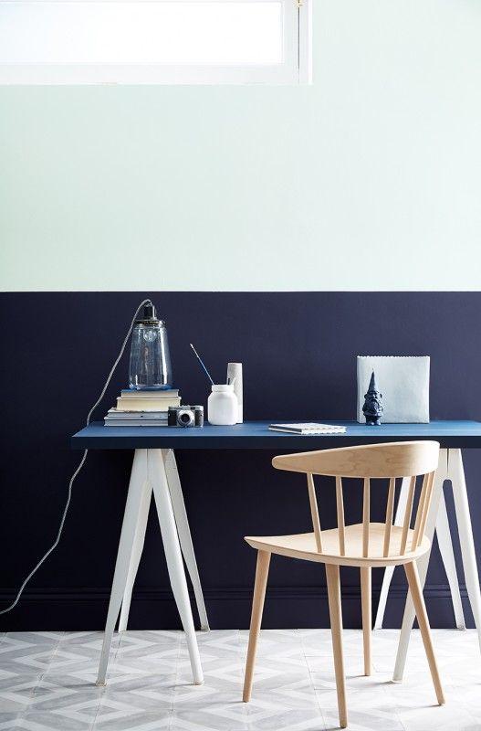 helles gr n und dunkels blau von little greene kombiniert k che britisch englisch wandfarbe. Black Bedroom Furniture Sets. Home Design Ideas