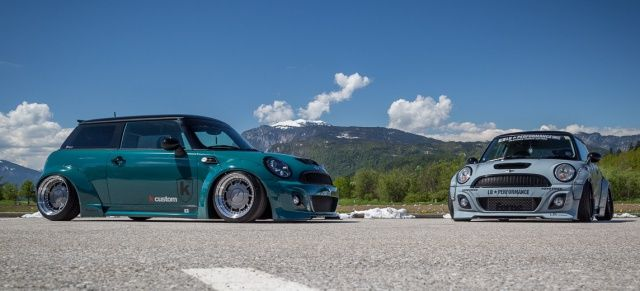 Zwei Mini Cooper S Im Liberty Walk Style Die Es Maximal