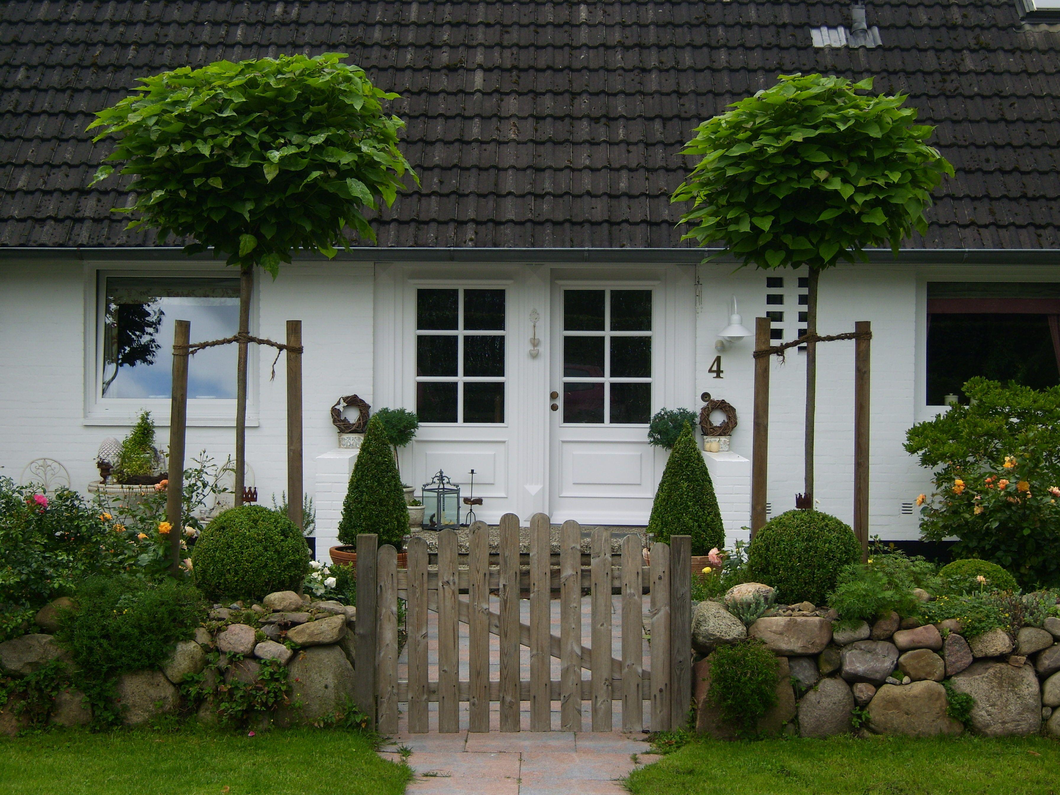 entree wohnen und garten foto vorgarten natursteine. Black Bedroom Furniture Sets. Home Design Ideas