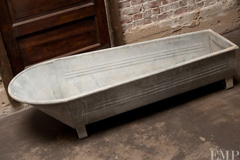 Galvanized metal bathtub i want one to plant flowers in for Galvanized bathtub