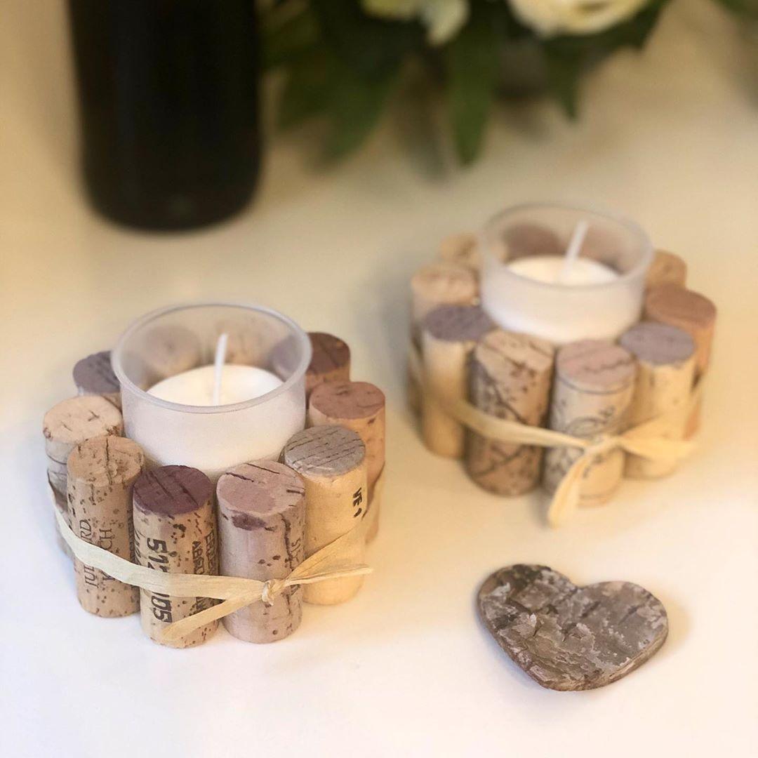 Natalja Beck-Druck sur Instagram: «holder Bougeoir en bouchons de vin 🍷❤️ Il fait froid et humide à l'extérieur, mais nous nous mettons à l'aise à la maison 🏡. Et bien sûr, ils peuvent… » - #