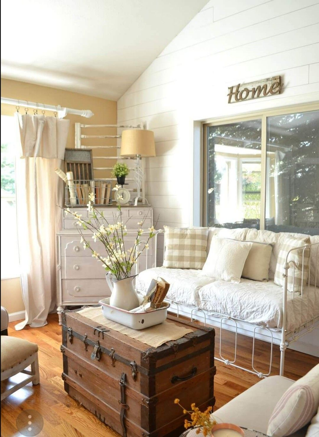 Pin by Foxy Boop on Ambitious homemaker | Vintage farmhouse ...