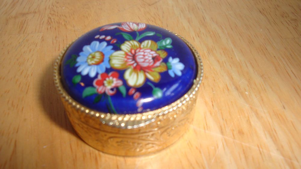 MADE IN ITALY MINI  ENGRAVED  BRASS PILL BOX WITH HAND PAINTED PORCELAIN TOP