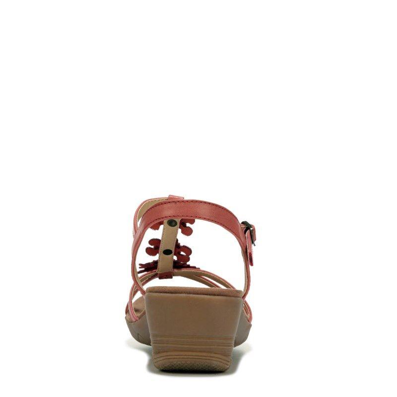 11c55ba29de2 Bare Traps Women s Hammond Wedge Sandals (Red)